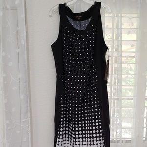 Size 18 BEAUTIFULNew  black and white dress